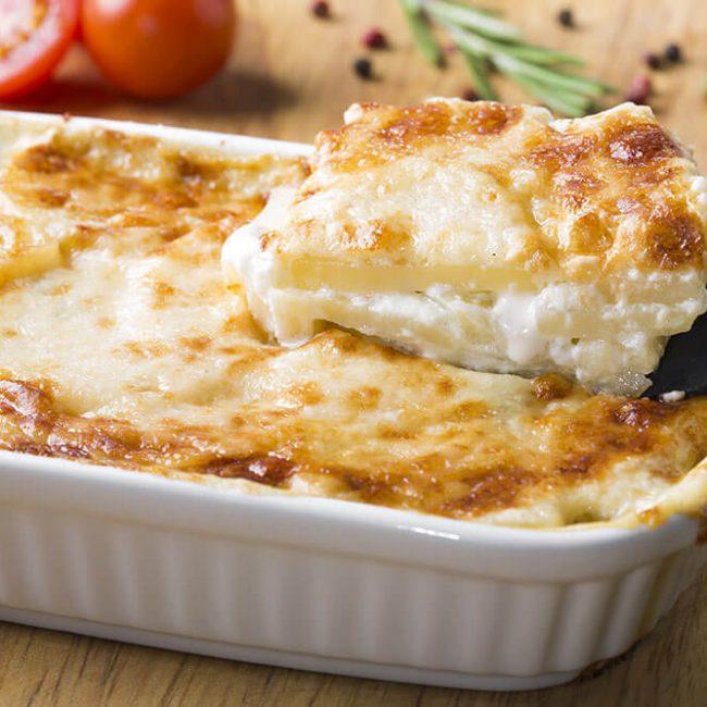 MeniuFamilie.ro by Elegant Catering - Cartofi la cuptor cu trio cheese (blue, brie, mozzarella)