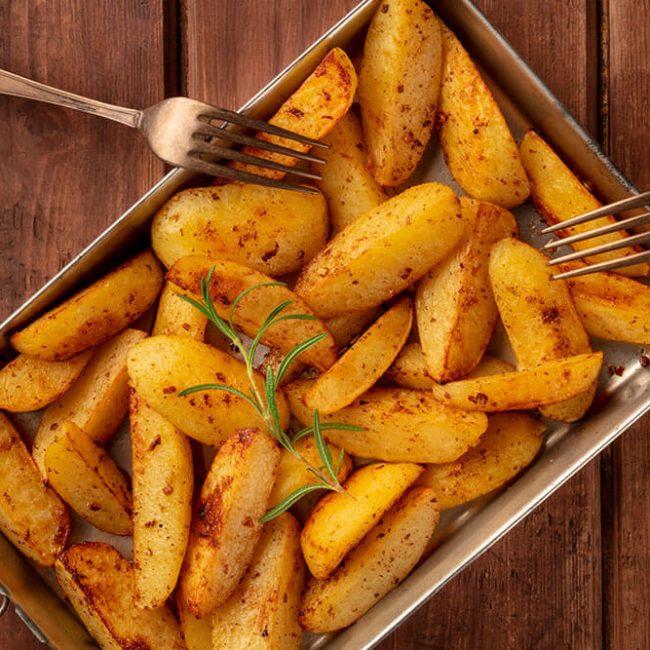 MeniuFamilie.ro by Elegant Catering - Cartofi wedges cu oregano la cuptor