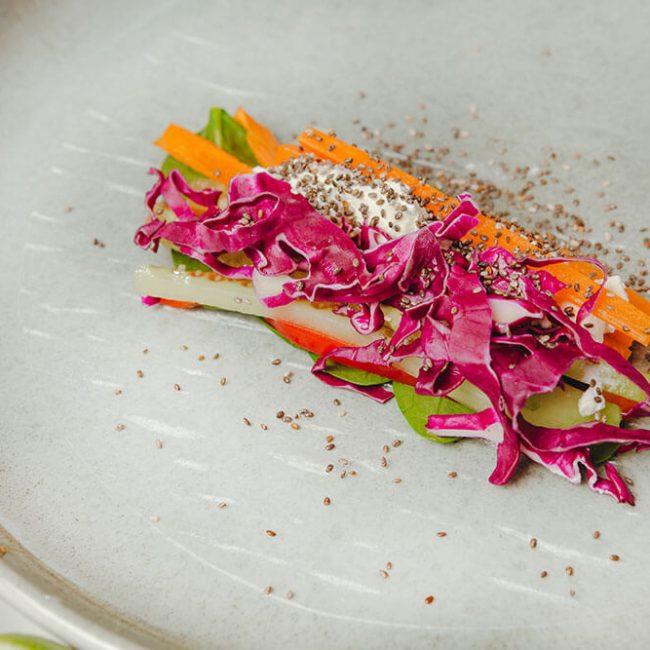 MeniuFamilie.ro by Elegant Catering - Salată de varză duo cu mărar și porumb