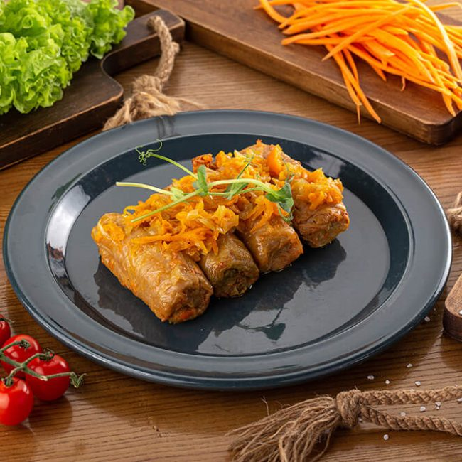 MeniuFamilie.ro by Elegant Catering - Sărmăluțe în foi de varză cu carne de porc și vită